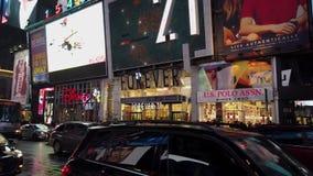 纽约,纽约- 2019-05-08 -时报广场夜2 -交通 股票视频