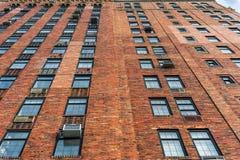纽约,纽约- 2013年12月27日:在大厦的砖墙 免版税库存图片