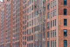 纽约,纽约- 2013年12月30日:砖墙大厦在纽约,曼哈顿 图库摄影
