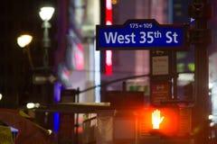 纽约,美国- 2017年12月:路牌-西部第35条街道-曼哈顿 免版税库存照片