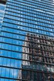 纽约,美国- 2017年6月22日:关闭细节修造外部与反射,曼哈顿中城,纽约,团结的状态 图库摄影