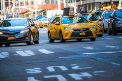 纽约,美国- 2018年3月31日:著名黄色出租汽车作为看的i 免版税库存图片