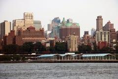 纽约,美国- 2018年9月2日:阴天在纽约 曼哈顿地平线看法在NYC的 免版税库存照片