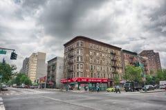 纽约,美国- 2015年6月15日-走在哈林的人们周日 免版税库存图片