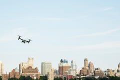 纽约,美国7月5日2015年:MV-22白鹭的羽毛 海洋直升机 免版税库存图片
