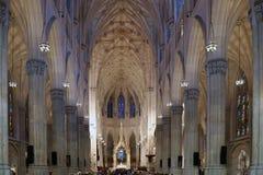 纽约,美国- 8月20,2016:圣帕特里克大教堂内部在纽约 图库摄影