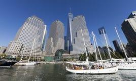 纽约,美国-巴特里公园的北部小海湾小游艇船坞 免版税库存图片