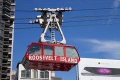 纽约,美国-著名罗斯福岛缆绳电车 图库摄影