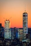 纽约, 2016年11月5日:与世界贸易中心二号大楼一起的自由塔世界贸易中心一号大楼 库存图片