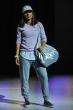 纽约, NY - 9月03日:在Athleta跑道展示期间,模型走跑道 免版税库存图片