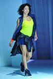 纽约, NY - 9月03日:在Athleta跑道展示期间,模型走跑道 免版税图库摄影