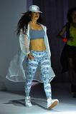 纽约, NY - 9月03日:在Athleta跑道展示期间,模型走跑道 库存图片