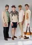 纽约, NY - 9月06日:小组模型摆在塞尔焦达维拉时尚介绍 免版税库存照片