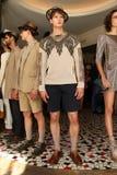 纽约, NY - 9月06日:模型摆在塞尔焦达维拉时尚介绍 图库摄影
