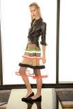 纽约, NY - 9月03日:模型摆在阿里纳德国人介绍 图库摄影