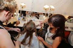 纽约, NY - 9月06日:模型有她的头发做后台在Venexiana 库存图片