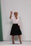 纽约, NY - 9月08日:设计师卡罗来纳州赫雷拉步行卡罗来纳州赫雷拉时装表演的跑道 免版税库存图片