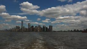 纽约:全景从船看见的纽约,实时,超hd 4k 股票录像