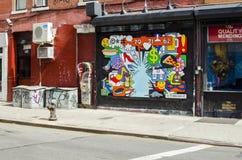 纽约- 2016年9月18日:在Manhatta街道上的壁画  免版税库存照片