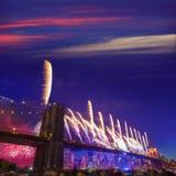 纽约7月4日布鲁克林大桥烟花2014年 库存图片