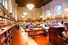 在著名纽约公立图书馆里面 免版税库存图片
