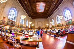 在著名纽约公立图书馆里面 库存照片