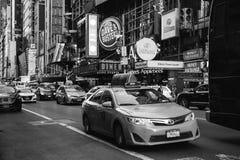 纽约/美国- 2018年7月13日:时代广场在r的街道视图 免版税库存照片