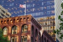 纽约-老和新的大厦 免版税库存照片