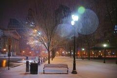 纽黑文,多雪的夜 免版税库存图片