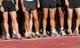 线路对等待的运行赛跑者 图库摄影