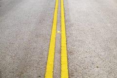 线路路黄色 库存图片