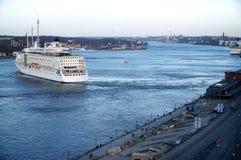 线轮渡在斯德哥尔摩 库存照片
