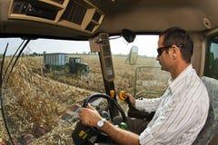 组合的司机的观点在麦地的 图库摄影