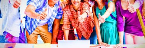 组微笑的学员 免版税图库摄影