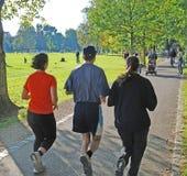 组慢跑者 免版税库存照片