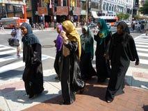 组穆斯林妇女 免版税库存图片