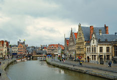 绅士的,比利时Graslei港口 库存照片
