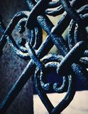 细节黑色铁伪造的门 图库摄影