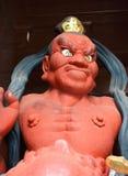 细节kongourikishi雕象,在Daibutsu ` s寺庙入口安置的其中一个监护人神在镰仓市,日本 图库摄影