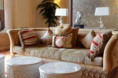 织品长沙发,多孔黏土rgb 库存照片
