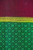 织品颜色古董手织的织品,自然染料织品,美好的颜色,美丽的织品,泰国老时尚织品的丝绸 免版税库存图片