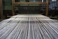 织布机生产丝绸 库存图片