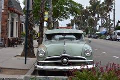 经典之作1950年福特Fordor轿车以原始的绿色, 1 库存照片