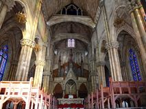 经典减速火箭的法国教会 库存图片