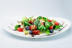 经典意大利夏天可口新鲜的沙拉用西瓜, ch 库存照片