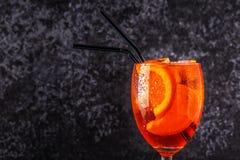 经典意大利语Aperol喷鸡尾酒 免版税库存图片