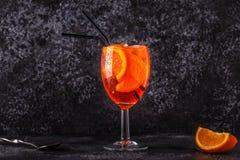 经典意大利语Aperol喷鸡尾酒 库存照片