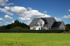 经典房子 免版税库存图片