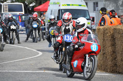 经典摩托车街道赛跑的起始时间- Methven新西兰 库存照片