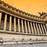 经典柱廊大理石罗马vittoriano 免版税库存图片